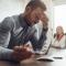 Schlaflos wegen Geldsorgen? Natürliche Mittel gegen Stress helfen